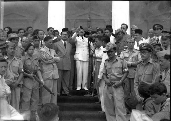 Dampak Demokrasi Terpimpin di Negara Indonesia