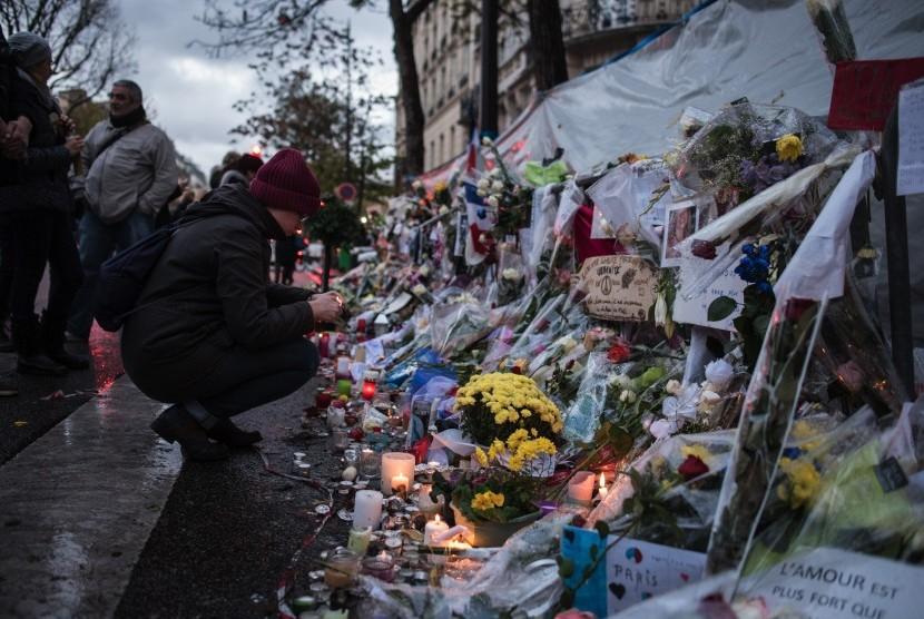 Penyebab Bom Paris yang Belum Diketahui Banyak Orang