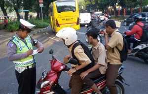 10 Penyebab Pelanggaran Lalu Lintas yang Marak Terjadi di Indonesia
